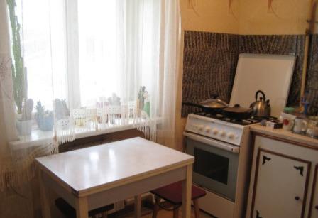 трёхкомнатная квартира в Пошехонье